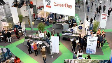 Beim Career Day während der Expo Real hielten viele Aussteller Ausschau nach digital-affinen Absolventen. Quelle: Immobilien Zeitung, Urheberin: Janina Stadel