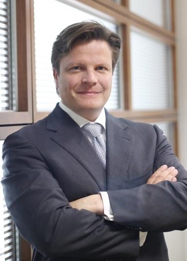 Lars Loesch.