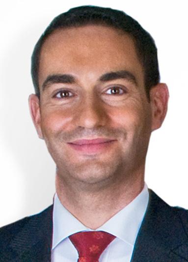 Cesar Flores.
