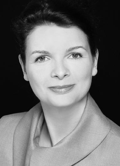 Dr. Elena Wiezorek.