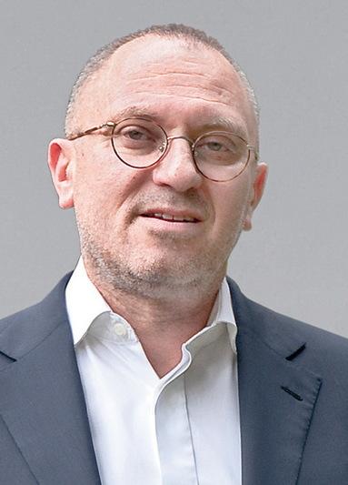 Dr. Ilja Gop.