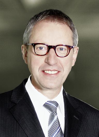 Dr. Gerhard Schlangen.