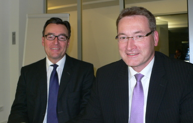 Da war Bernhard Fuhrmann (links) noch bester Laune: Mit Oliver Priggemeyer von IC Immobilien im Dezember 2011.