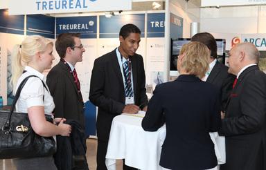 Ein Bewerbungsgespräch will immer gut vorbereitet sein – auch auf einer Jobmesse.