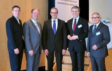 Die Mitglieder des BVI haben ihren Vorstand im Amt bestätigt. Dem Gremium gehören Thorsten Woldenga, Dr. Michael Goßmann, Thomas Meier, Peter W. Patt und Klaus Nahlenz (v.l.n.r.) an.