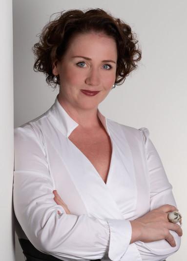 Martina Hellmann.