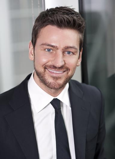 Oliver J. Richter.