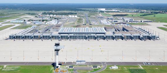 Bild: Flughafen Berlin Brandenburg/Alexander Obst, Marion Schmieding