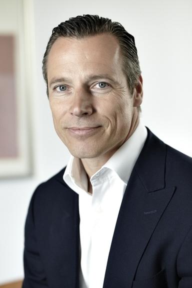 Lutz Schroeder.