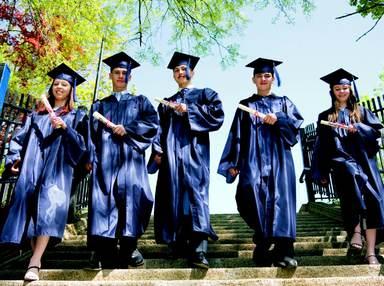 Munteren Schrittes geht der Nachwuchs auf die Branche zu: 86% der Studenten im Erststudium haben keine Angst vor dem Berufsanfang und schätzen ihre Chancen auf direkten Einstieg nach dem Studium als gut bzw. sehr gut ein.
