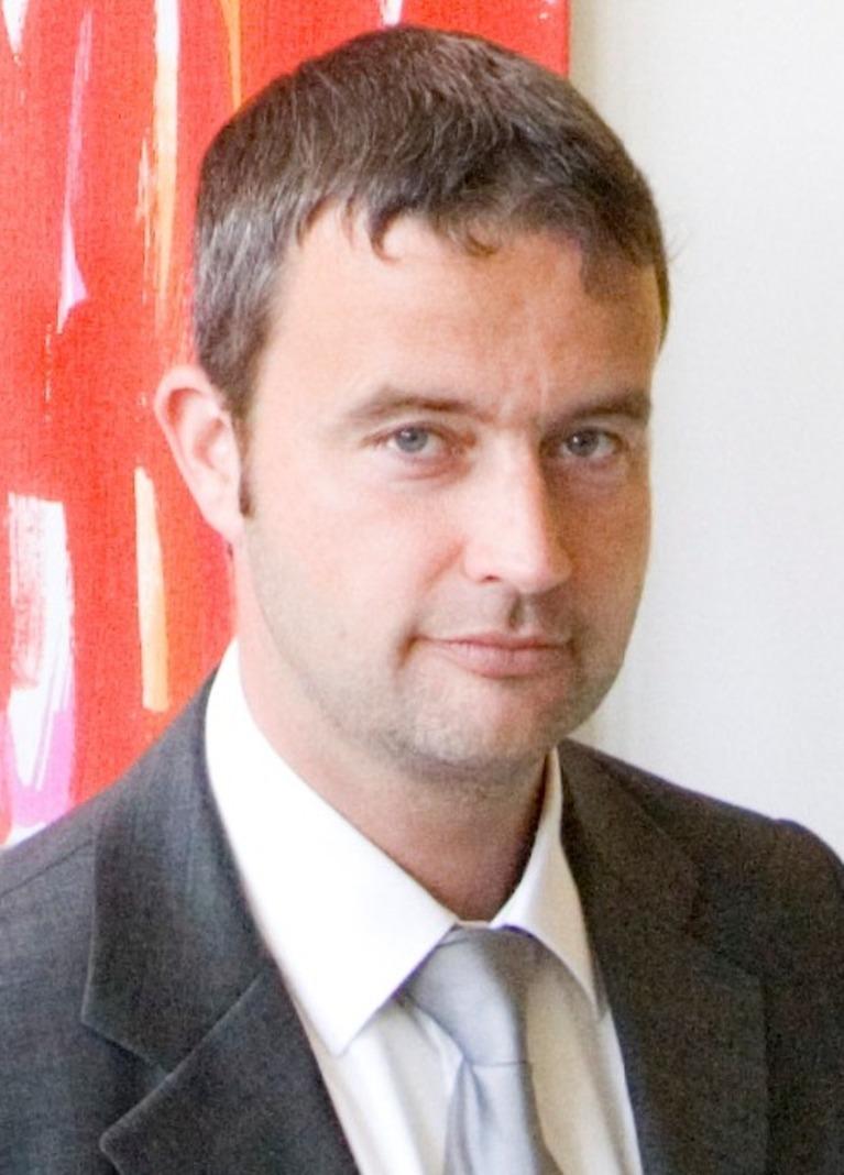 Dr. Falk Würfele.