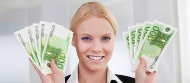 Hochschulabsolventen erhalten rund 40.000 Euro beim Berufseinstieg: Branche, Funktion, Abschluss und weitere Faktoren haben mitunter jedoch starken Einfluss auf die Vergütung, wie zwei aktuelle Studien zeigen.