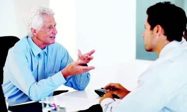 Der Mentor unterstützt seinen Mentee durch sein Wissen und seine Erfahrung im Berufsalltag. Die Treffen sollten in regelmäßigem Abstand im Büro oder außerhalb stattfinden. Manchmal bleiben die Beziehungen auch über die Mentoring-Phase hinaus bestehen.