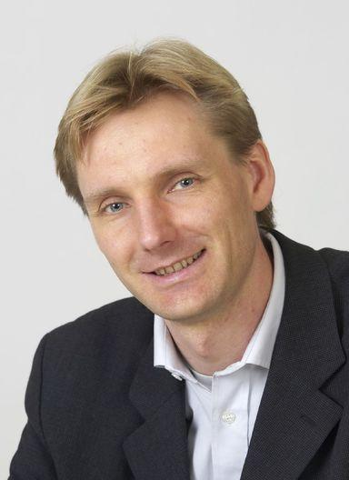 Dirk A. Schwede.