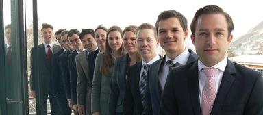 Prof. Dr. Carsten Lausberg (ganz links) mit einigen Teilnehmern des Honours Course. Nach amerikanischem Vorbild hat er das Förderprogramm ins Leben gerufen, für das sich begabte Studenten bewerben können.