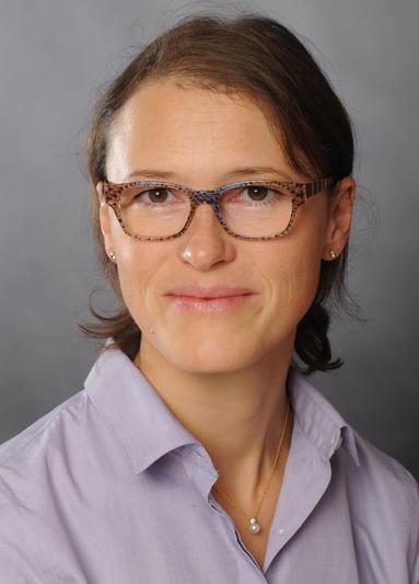 Simone Schmidt.
