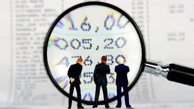 Gehaltsanalysen können wichtige Hilfestellung für das Vorstellungsgespräch bieten. Das Einstiegsgehalt kann aber, je nach Qualifikation, Fachkräftemangel oder Gehaltsstruktur des Unternehmens vom Durchschnittswert abweichen. Durchschnittswert abweichen.