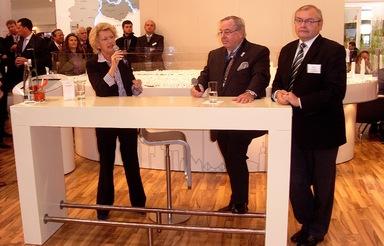 Werner Pfaff (Mitte) mit Frankfurts ehemaliger Oberbürgermeisterin Petra Roth und dem ehemaligen Planungsdezernenten Edwin Schwarz auf der Expo Real 2009.