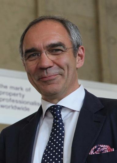 Prof. Dr. Winfried Schwatlo.