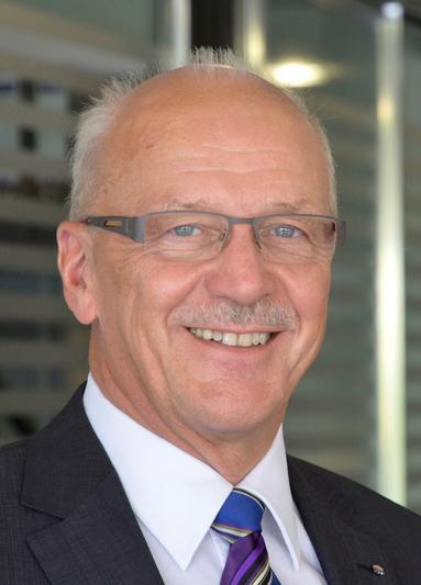 Wolfgang D. Heckeler.