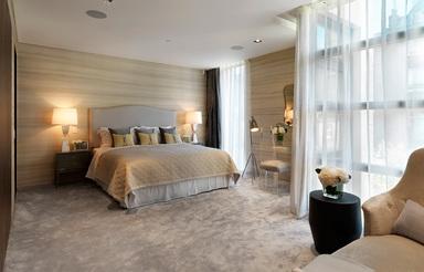 Morpheus London bietet das 404 m2 große Beau House vollständig möbliert und ausgestattet an. Rund 50 Luxus-Wohnprojekte hat das Unternehmen seit den frühen 1990er Jahren fertiggestellt.