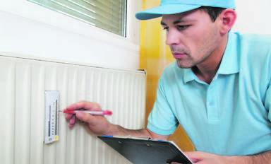 """Im Bereich Sanitär, Heizung und Klimatechnik ist der Fachkräftemangel deutlich messbar. """"Nach der Halbierung der Ausbildungsplätze von 70.000 auf 35.000 in den letzten 15 Jahren haben wir 2012 noch einmal einen Rückgang auf jetzt 33.600 verkraften müssen"""