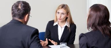 Bewerbungsgespräche werden dieses Jahr wieder viele geführt werden. Besonders Unternehmen aus den Segmenten Facility-Management, Immobilienvermittlung sowie Immobilienmanagement und -verwaltung melden eine hohe Nachfrage nach Berufseinsteigern.