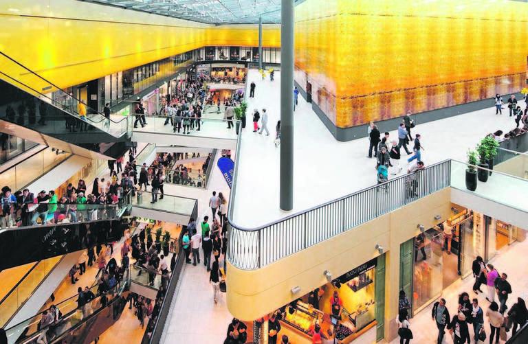 So sehen Arbeitsbereiche bei ECE aus: Im Bild die Thier-Galerie Dortmund. 30 bis 50 offene Stellen will das Hamburger Unternehmen pro Jahr mit Berufseinsteigern besetzen.