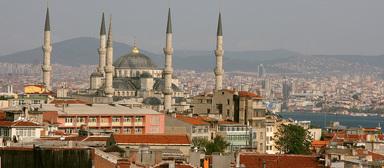 Für ein dreimonatiges Stipendium in Istanbul können sich berufserfahrene Bauplaner und Architekten bewerben.