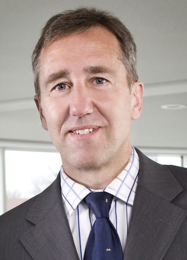 Dr. Ralf Händl.