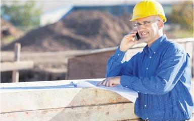 Bauleiter sind oft stark belastet. Damit sie den den Kopf wieder frei haben für wichtige Aufgaben, hat ein Forschungsprojekt Handlungshilfen entwickelt.
