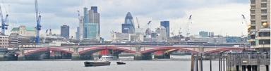Über den Londoner Dächern drehen sich die Baukräne. Die Skyline der Finanzmetropole wird sich künftig stark verändern, denn gut 230 Gebäude mit mehr als 20 Stockwerken sind aktuell in Vorbereitung. Kandidaten mit Erfahrung in der Projektentwicklung sind in der Hauptstadt gesucht.