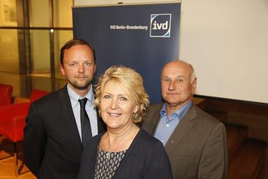 Der wiedergewählte Vorstand des IVD Berlin (v.l.n.r.): Dirk Wohltorf, Harriet Wollenberg und Klaus Hummel.
