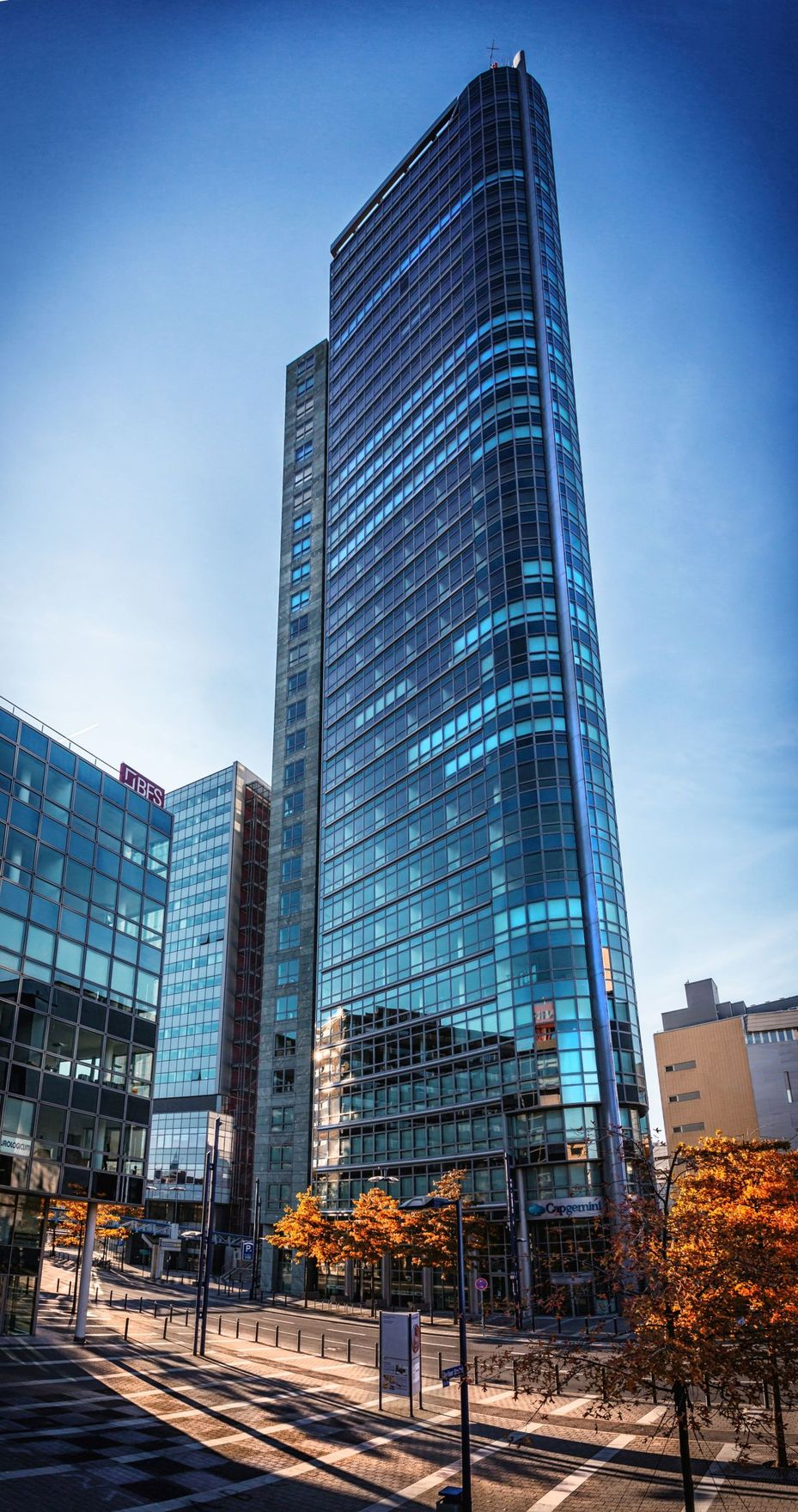 Offenbach publicity ag kauft den city tower for Immobilien offenbach