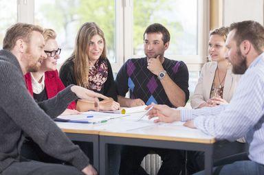 Künftig sollen mehr Berufstätige und Berufsrückkehrer, aber auch Studienabbrecher und Berufstätige ohne Hochschulzugangsberechtigung durch modulare Weiterbildungen vom Know-how der Hochschule Biberach profitieren. Das neue Zentrum soll eine Informations- und Anlaufstelle für jedermann sein.