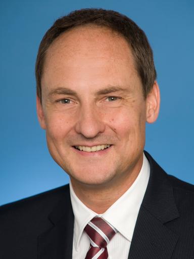 Dr. Stefan Klomfass.
