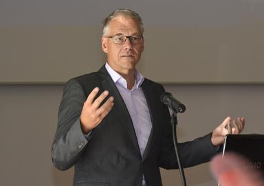 Martin Hunscher.