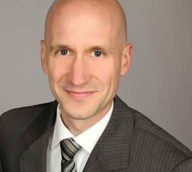Prof. Dr. Jan Specht.
