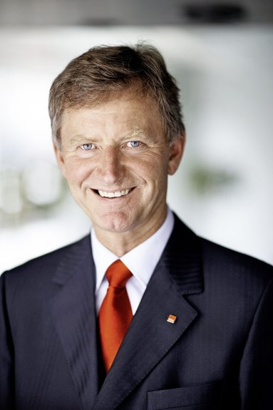 Dr. Alexander Erdland.