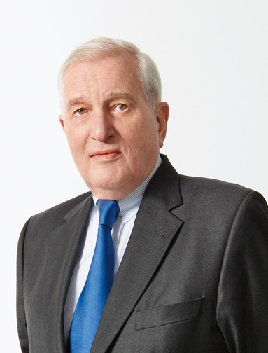 Dr. Bernhard Walter.