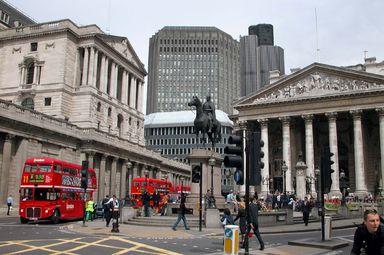 Auch wer nicht in der City von London arbeitet - ohne Englischkenntnisse geht es im internationalen Immobiliengeschäft nicht.