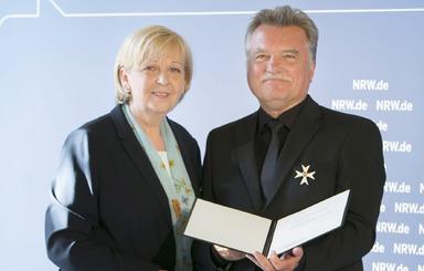 Hartmut Miksch mit der nordrhein-westfälischen Ministerpräsidentin Hannelore Kraft.