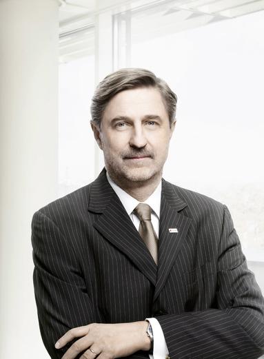 Dr. Bruno Ettenauer.