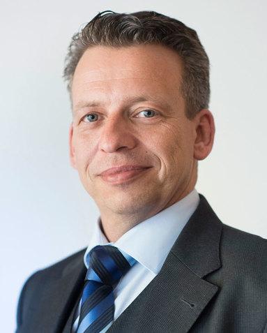 Alexander Alter.