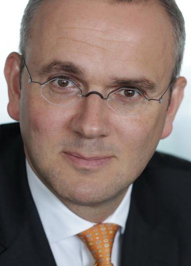 Dr. Christian Schütz.