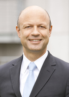 Ex-Hochtief-Chef Stieler lenkt KraussMaffei Group