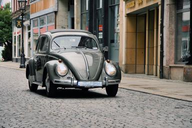 Das Kontaktstudium Immobilienökonomie ist seit 25 Jahren auf dem Markt. Auch einer Vervielfältigung der immobilienwirtschaftlichen Studienangebote hielt er stand. Wie der VW-Käfer ist er ein Unikum. Den Abschluss gibt es nur in Deutschland.