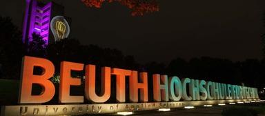 Reisestipendien nach Berlin bieten die Beuth Hochschule und die Renewables Academy an.
