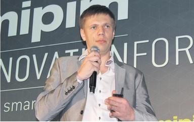 Start-up-Gründer Marek Pärtel präsentierte auf der Mipim 2014 seine Crowdfunding-Plattform estateguru.