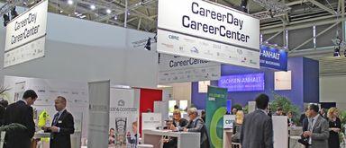 So sah das CareerCenter noch im vergangenen Jahr aus. 2015 präsentieren sich 22 Arbeitgeber mit einem CareerCorner in der Meet & Retreat Lounge (C2.036) am Messe-Mittwoch.